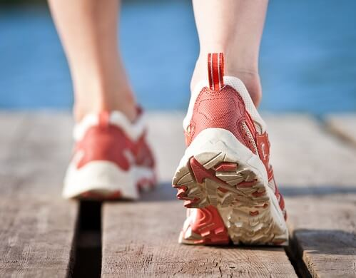 Jogging, one of 7 ways to prevent obesity
