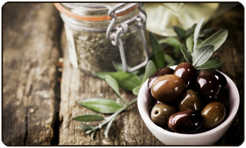 Taking olive oil regularly can help with not only hypertension, but also other health problems.