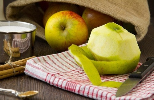 Apple Peels Help You Lose Weight