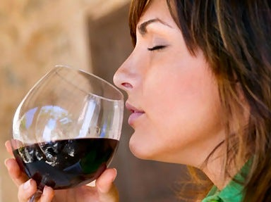Discover the Benefits of Drinking Red Wine
