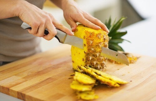 Eat Pineapple to Lose Weight and Eliminate Toxins