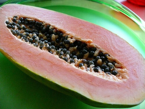 Papaya helps to treat back spasms