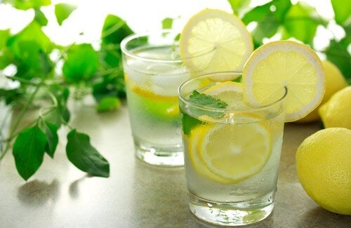 Is Drinking Warm Lemon Water in the Morning Good for You?