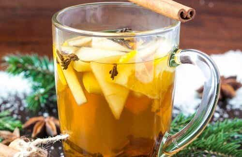 Make a Medicinal Tea with Apples, Cinnamon, Anise, and Cloves