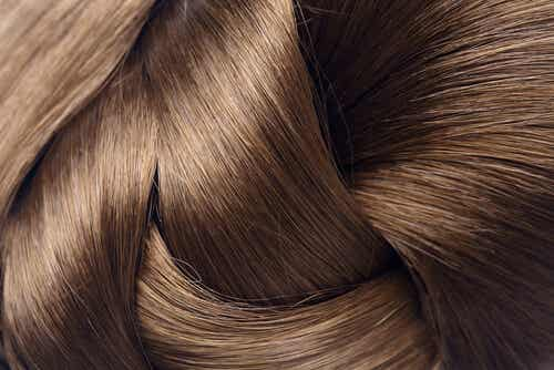 4 Natural Remedies to Strengthen Your Hair
