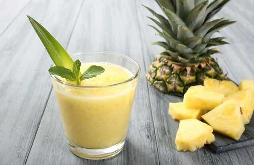 Pineapple-smoothie-for-weight-loss