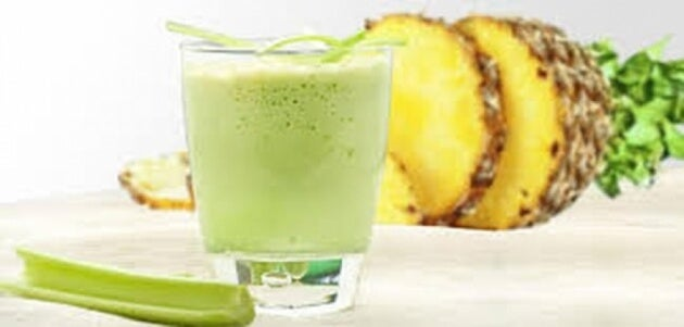 Celery and pineapple smoothie