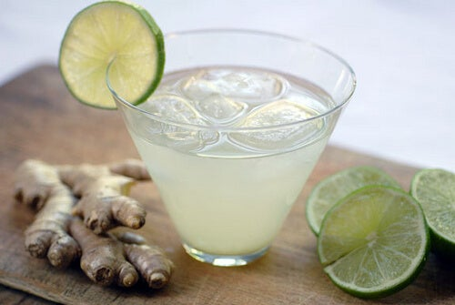 Lemon and ginger refreshing drink