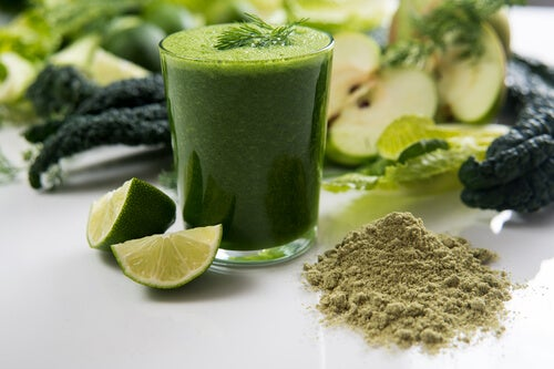 The benefits of spirulina in a smoothie.