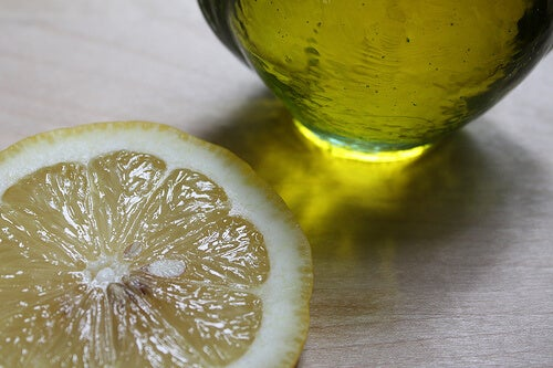 oil-and-lemon