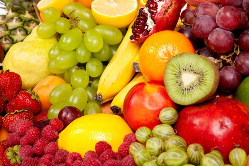 A wide variety of fruits to flatten your stomach
