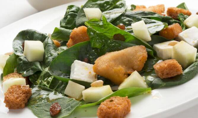 Turkey spinach salad