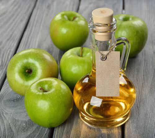 Five Beauty Treatments with Apple Cider Vinegar