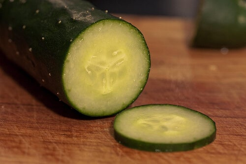 Fight Fluid Retention with Cucumber