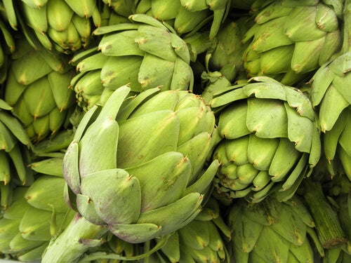 10 Reasons to Eat Artichoke