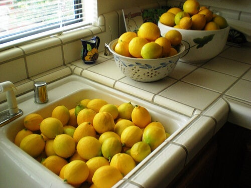 Lemons to make natural cleaning products.