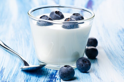 Natural Blueberry and Yogurt Detox