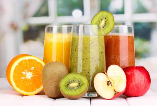 Detoxify in One Week with Juices and Soups