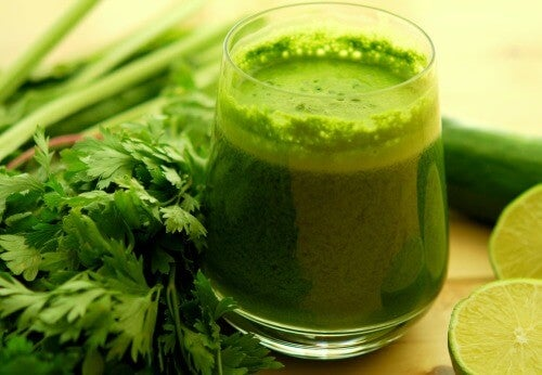 Green juice parsley infusion