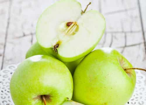 The Benefits of Green Apples on an Empty Stomach