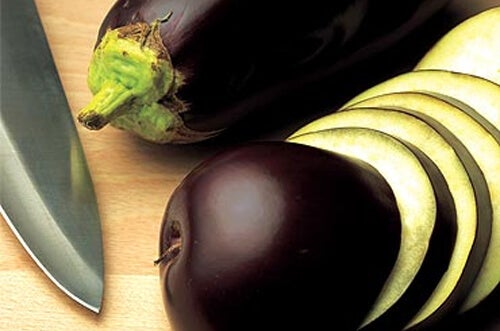 Say Goodbye to Belly Fat with Eggplant Water