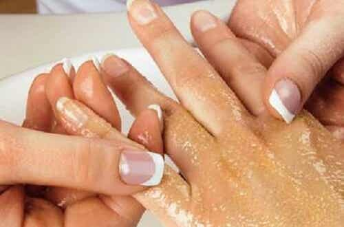 Simple Steps to Exfoliate Your Arms and Hands