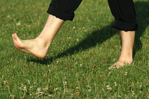 Walking barefoot may be good for the soles of the feet