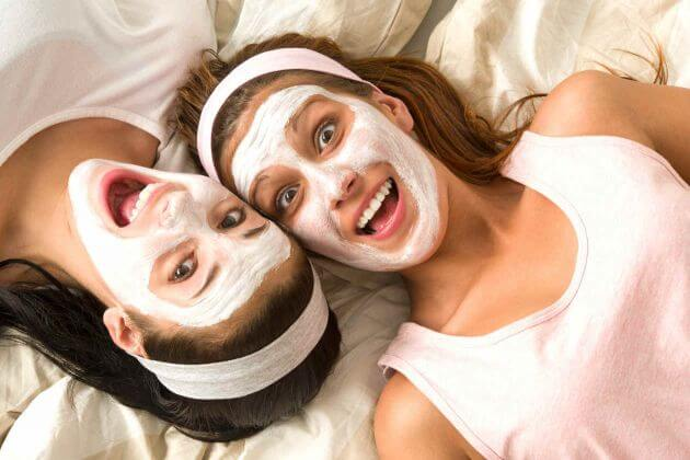 Some facial masks can help you quickly get rid of blackheads