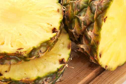 Delicious and Medicinal Drinks with Pineapple Peel