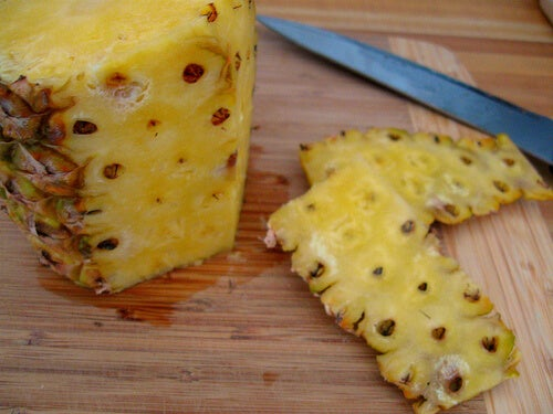 pineapple and pineapple peels