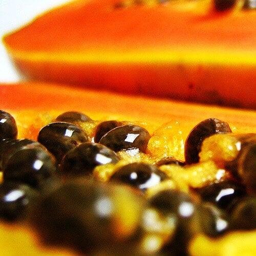 Beauty tricks with papaya