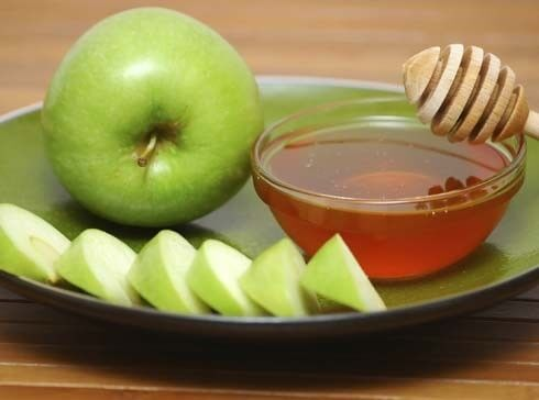 apple-and-honey homemade masks