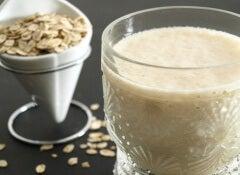 fruit and oat shake