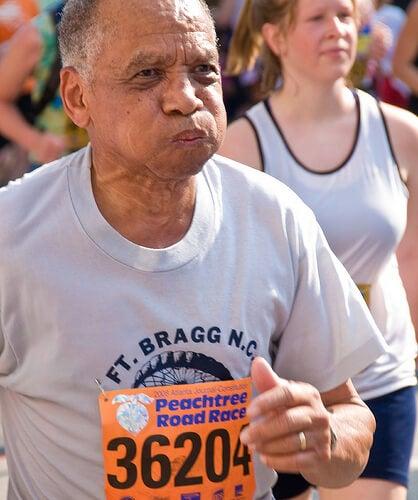 Elderly man doing marathon