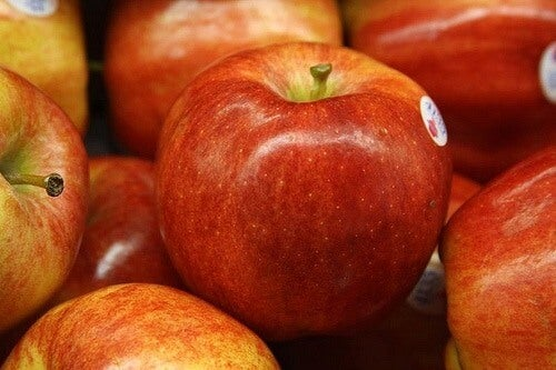 Some red apples