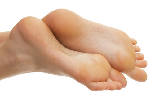 Treat calluses naturally and keep your feet smooth.