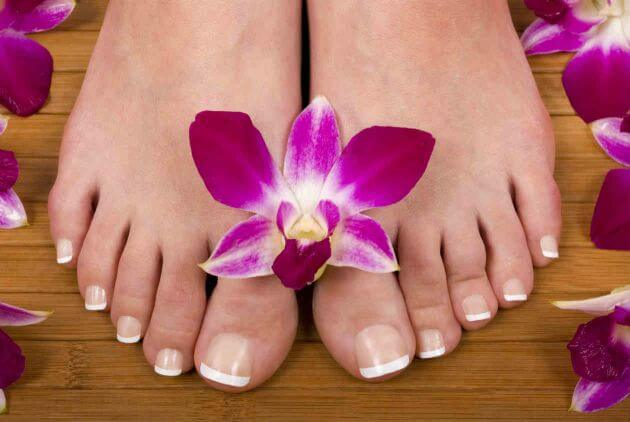 Treat calluses naturally to keep your feet healthy.
