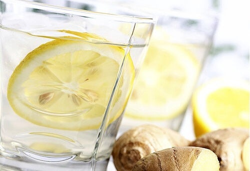 A lemon-ginger-drink.