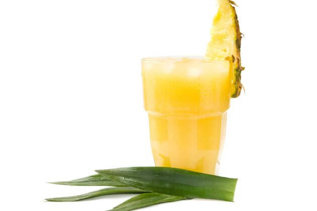 pineapple and aloe smoothie
