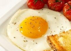 Consumir-huevo-500x375