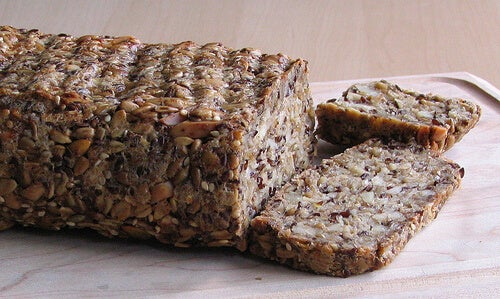 Remedies to treat constipation include wholemeal bread.