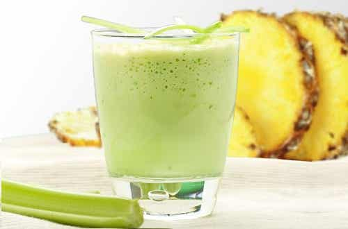 6 Juices and Smoothies to Eliminate Toxins Naturally