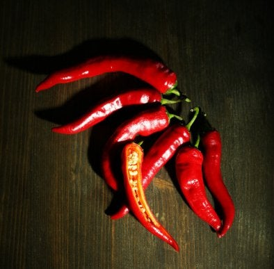 Chili peppers help reduce belly fat