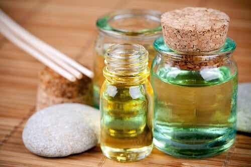 4 Oils that Repair Damaged Hair