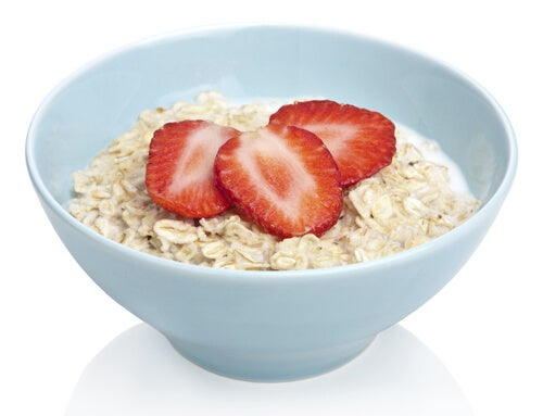 4 oats and strawberries