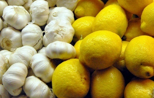 Garlic and lemon cure