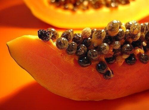 Eating Papaya