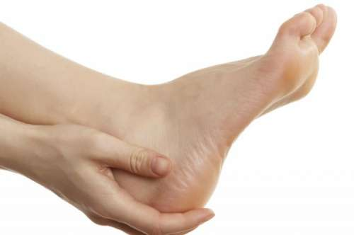 Pain is one of the symptoms of heel spurs