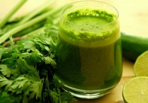 Parsley juice can help clear accumulated salt in the body