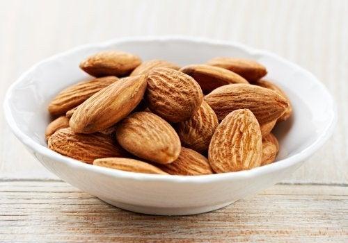 benefits of almond milk